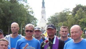 Uczestnicy Pielgrzymki Biegowej