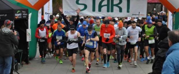 10RMT-start-maratonu-tytul